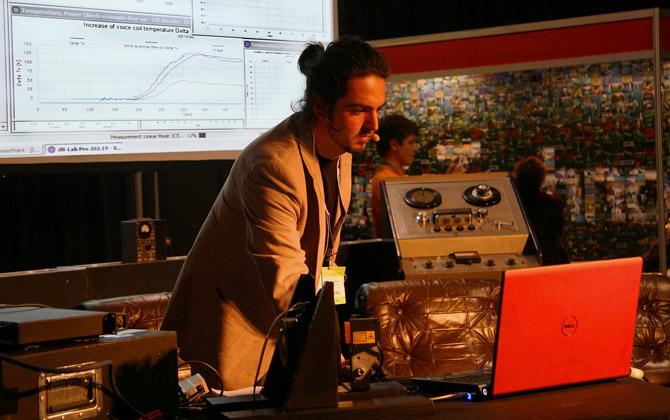 Guillaume launching the Klippal machine